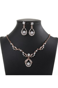 Rose Gold Rhinestone Design Necklace and Earrings Jewelry Set