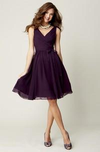 Knee-Length Sleeveless Criss-Cross V-Neck Chiffon Bridesmaid Dress With Bow