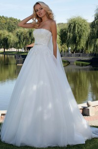 Ball Gown Jeweled Strapless Tulle Wedding Dress With Lace And Lace Up