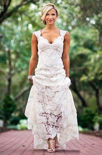 Country Cap-sleeved V-neck Long Lace Vintage Rustic Wedding Dress With Keyhole Back