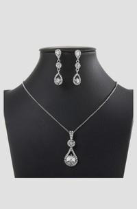 Elegant Water Drop Design Rhinestone Necklace and Earrings Jewelry Set