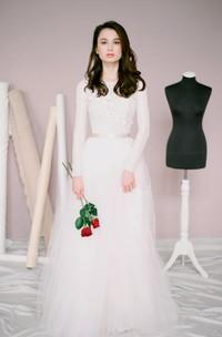 Modest Jewel Neck Long Sleeve A-Line Tulle Wedding Dress
