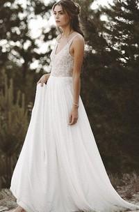 A Line Sleeveless Chiffon Lace Sexy Illusion Low-V Back Wedding Dress with Beading