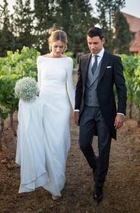 Simple Chiffon Sheath Long Sleeve Deep-V Back Bridal Gown